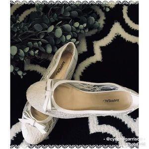 X•APPEAL white lace with bow dress flats